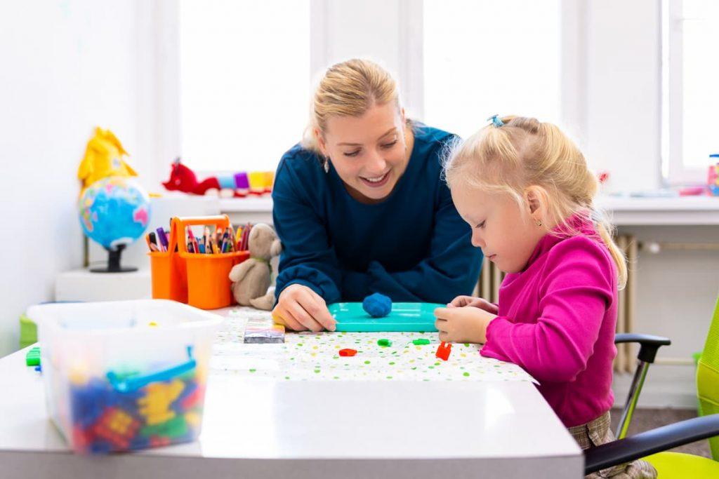 Formation Petite Enfance – Comment devenir assistant éducatif (AEPE) ?