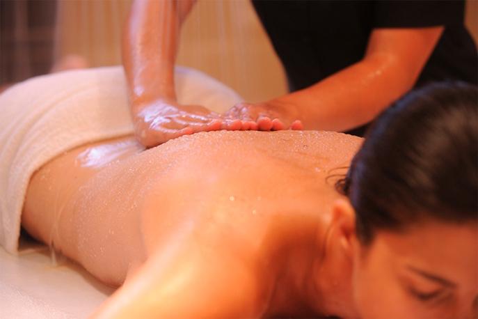 Massage prodigué par un agent hydrothermal