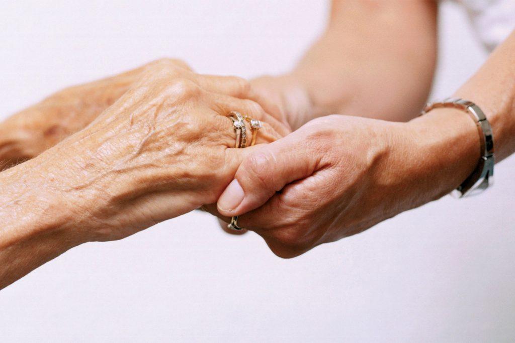 Formation aide-soignant – Comment devenir aide-soignante ?