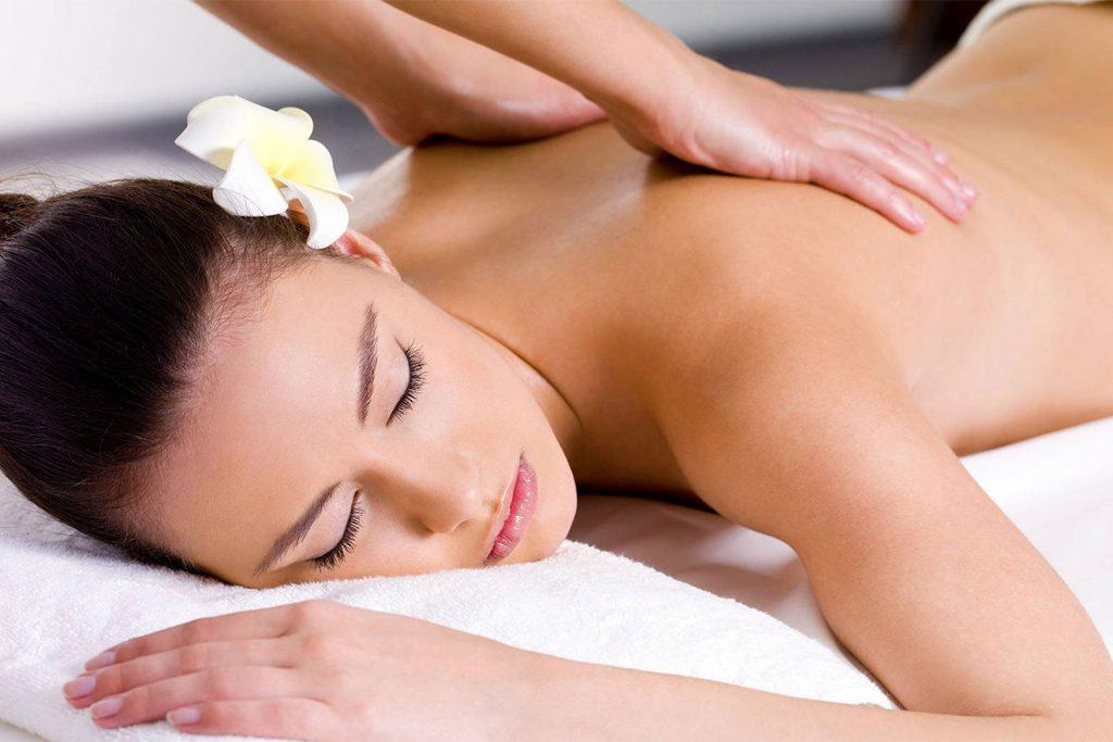 Découvrez le massage suédois, un massage bien-être dynamique et harmonisant