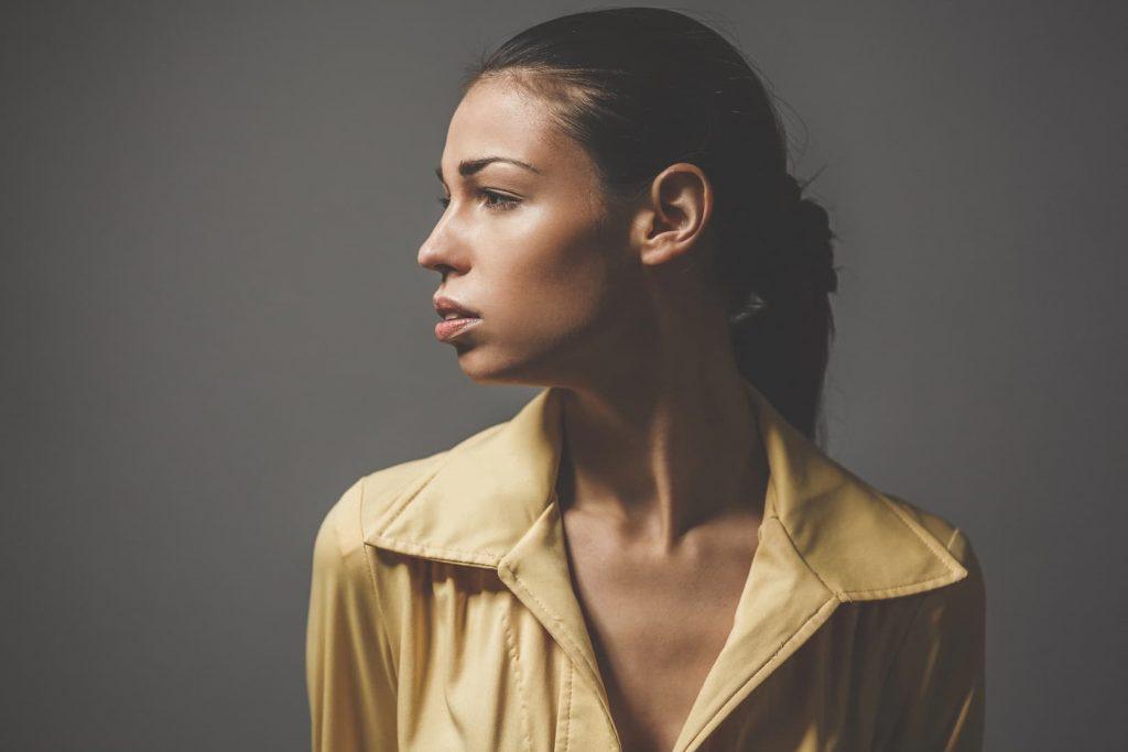 Comment la perte auditive impacte la vie sociale des malentendants ?
