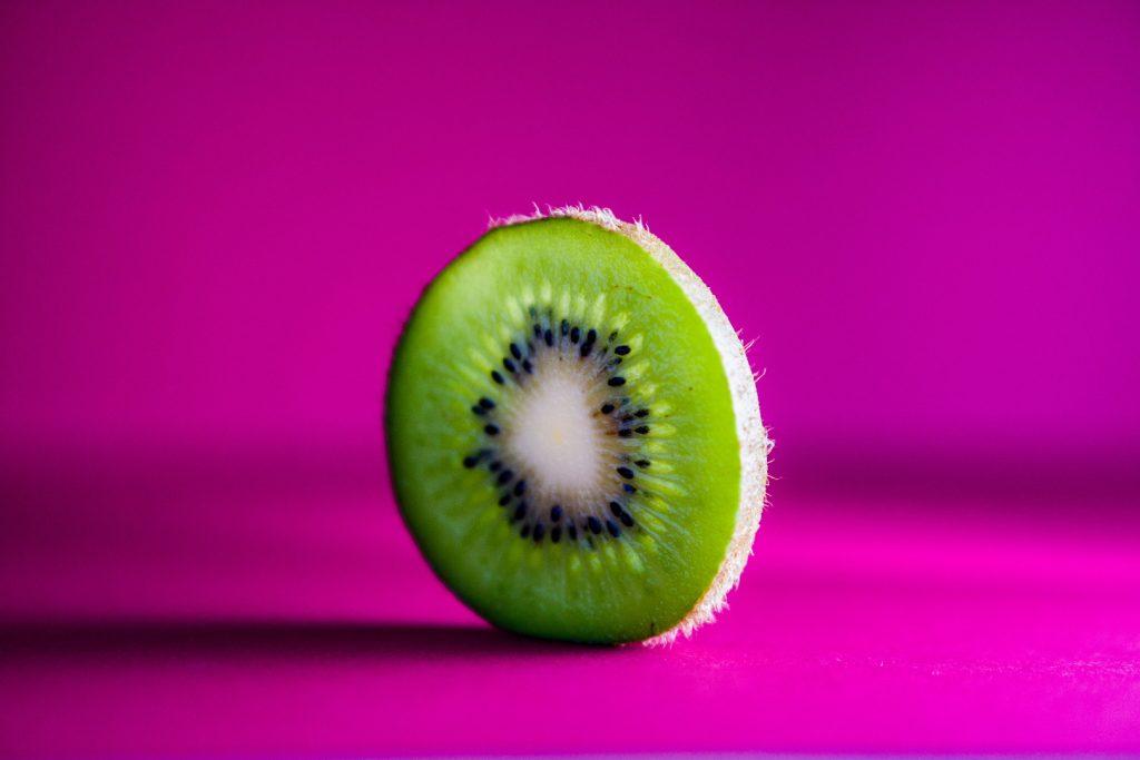 Les 5 bienfaits beauté du kiwi.