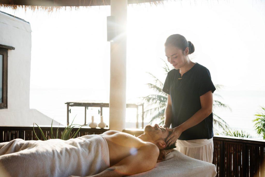 Formation massage bien-être : comment devenir masseur professionnel ?
