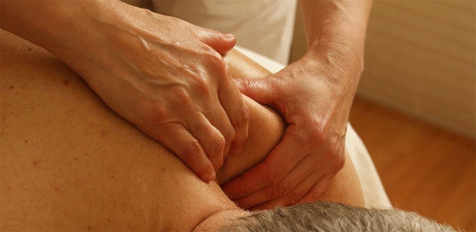 pourquoi-faire-appel-kine-osteopathe-a-domicile
