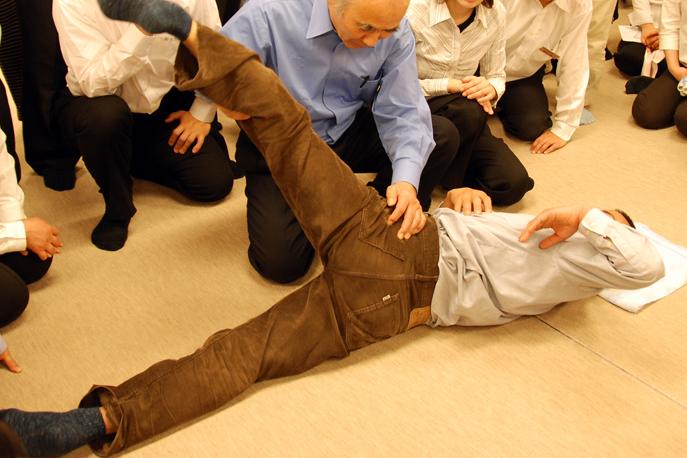 Professeur de Seitaï devant ses élèves