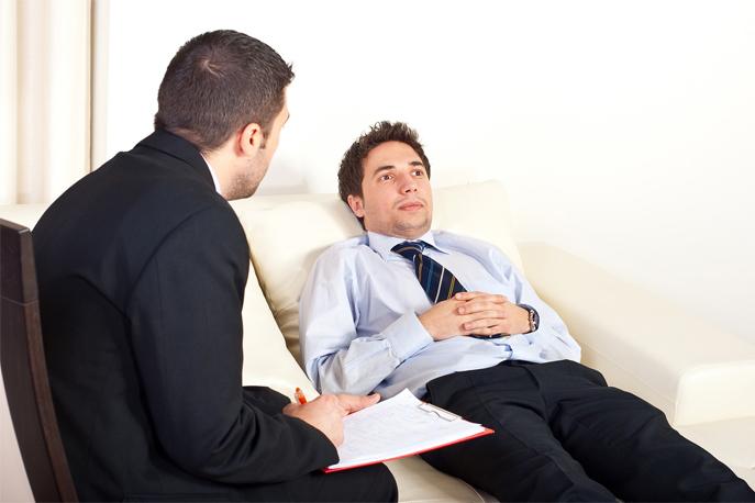 Psychiatre à l'écoute d'un de ses patients