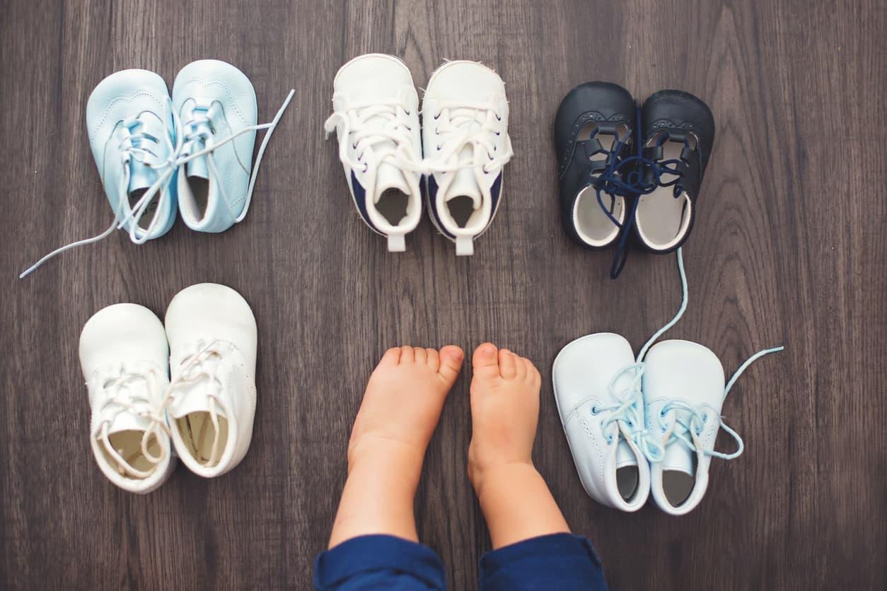 Plusieurs choses sont à éviter pour choisir les premières chaussures de Bébé